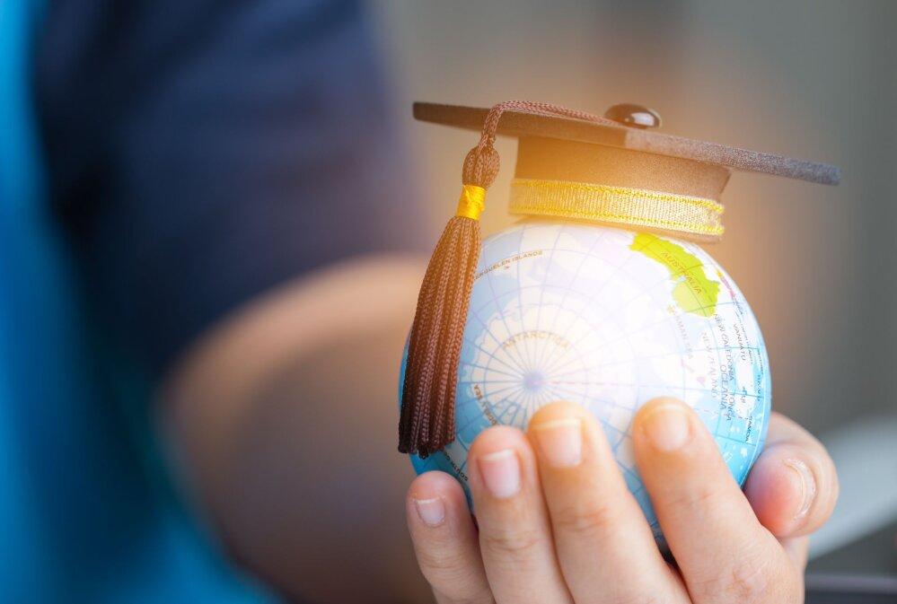 Haridus- ja teadusasutustest on kõige kõrgemalt tasustatud E-Riigi Akadeemia SA töötajad, kus keskmine kuutasu oli mullu 4235 eurot.