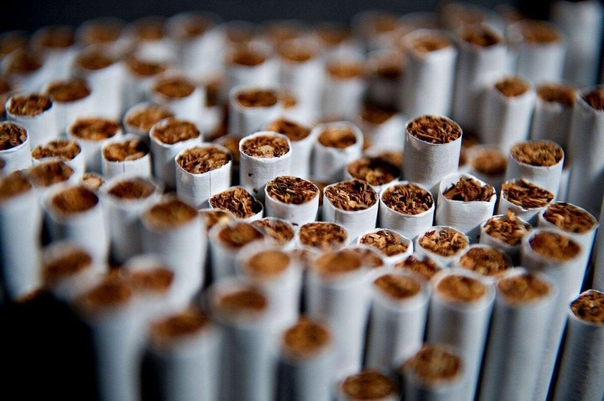 В эфире демонстрируются табачные изделия купить электронный сигарет juul