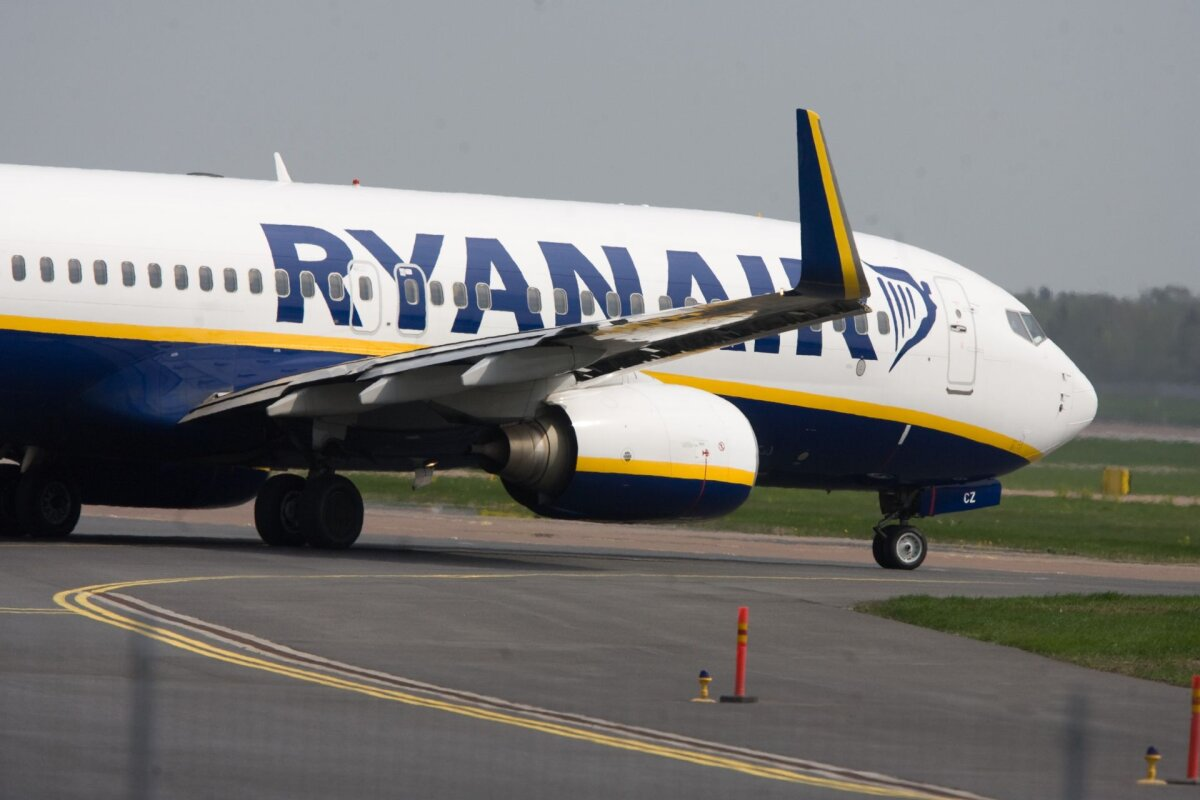 Аэропорт `Рига` должен будет выплатить Ryanair почти 1,6...