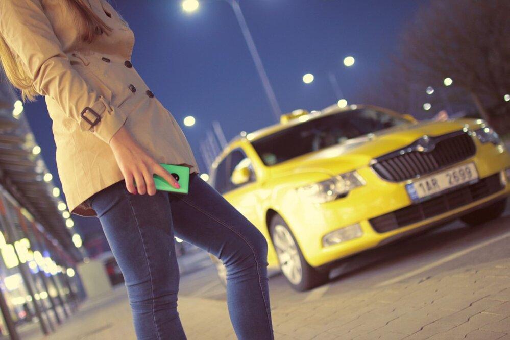 b448ddb256c Takso- ja sõidujagamisteenustele kehtestatakse ühtsed miinimumnõuded