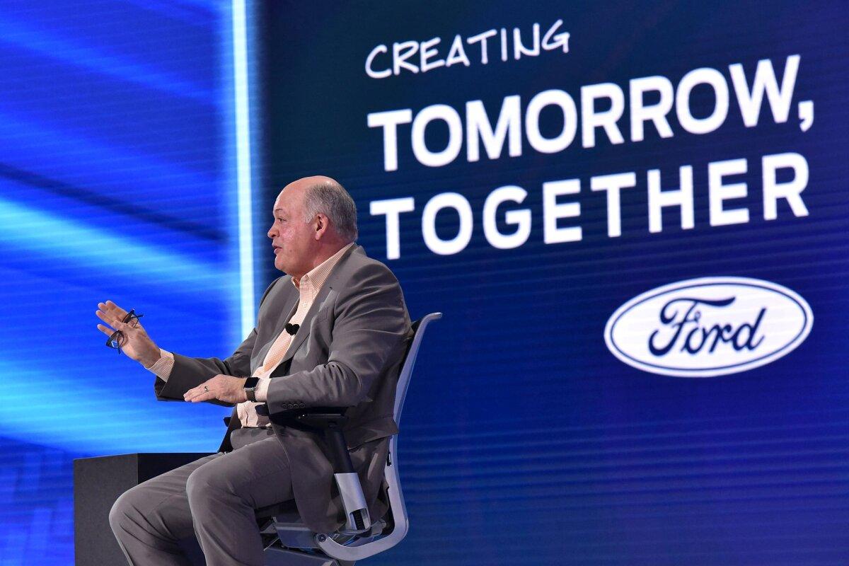 Ford kärbib 10% valgekraede töökohtadest