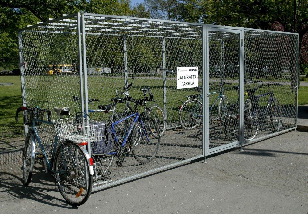 8a596241614 Tartu toetab kortermajade rattaparklate ja jäätmemajade ehitamist