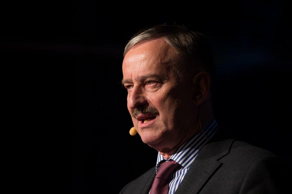 Siim Kallas:  kui langetada sotsiaalmaksu, siis juba 50%