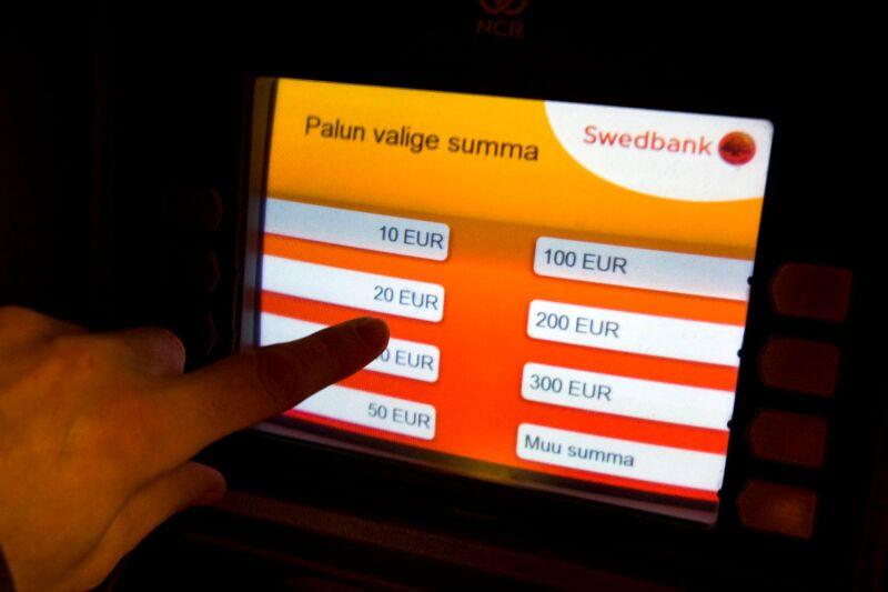 d7f4a721ba9 Swedbank suurendab sularaha kättesaadavust maapiirkondades · Kaitse oma  pangakontot · Pangamaksed ja -kontorid pühade ajal