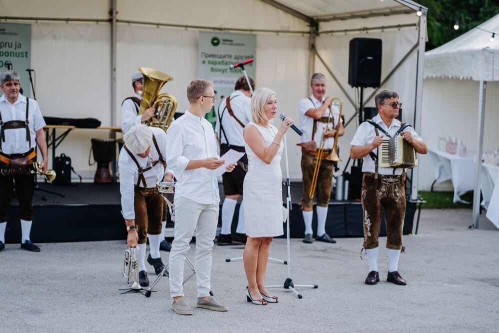 Tallinna Hoiu-laenuühistu neljas pidulik õhtu Lauluväljakul