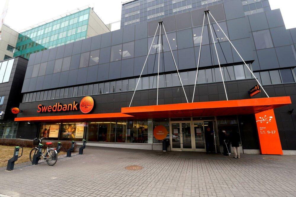 Swedbank mööbeldab ümber